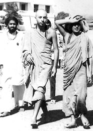 Ed (Swami Brahmananda) with Swami Satyananda in Southern India